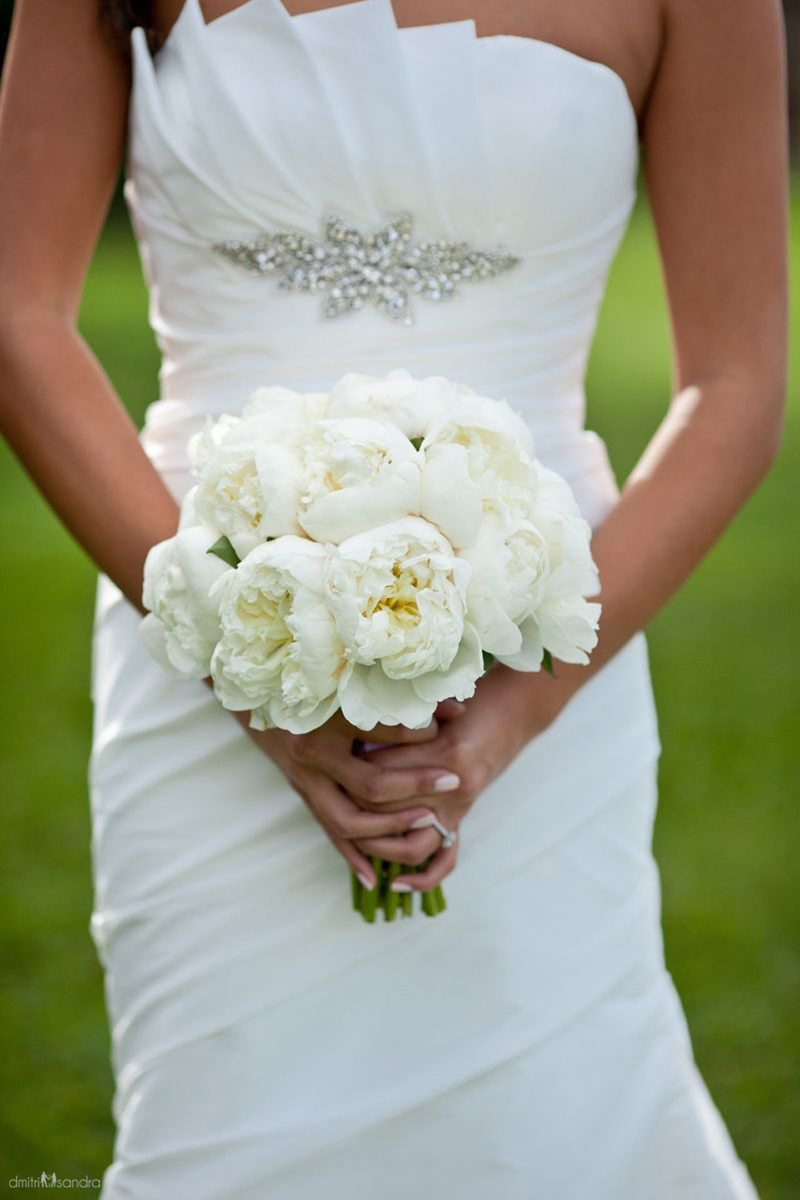 How to Choose Your Maui Wedding Bouquet
