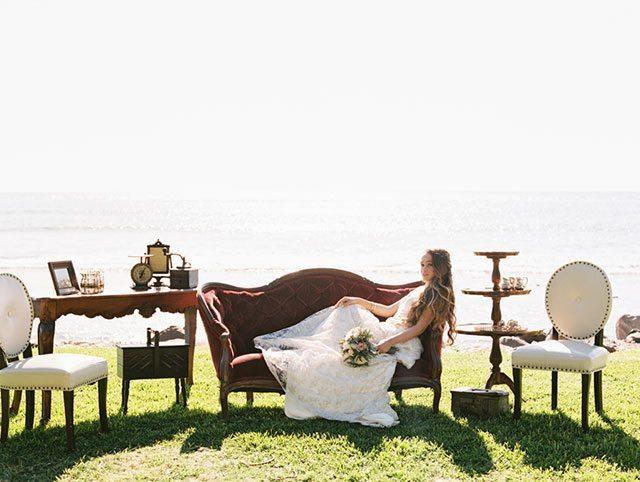 wendy-laurel-golden-seaside-bridal-inspiration-04
