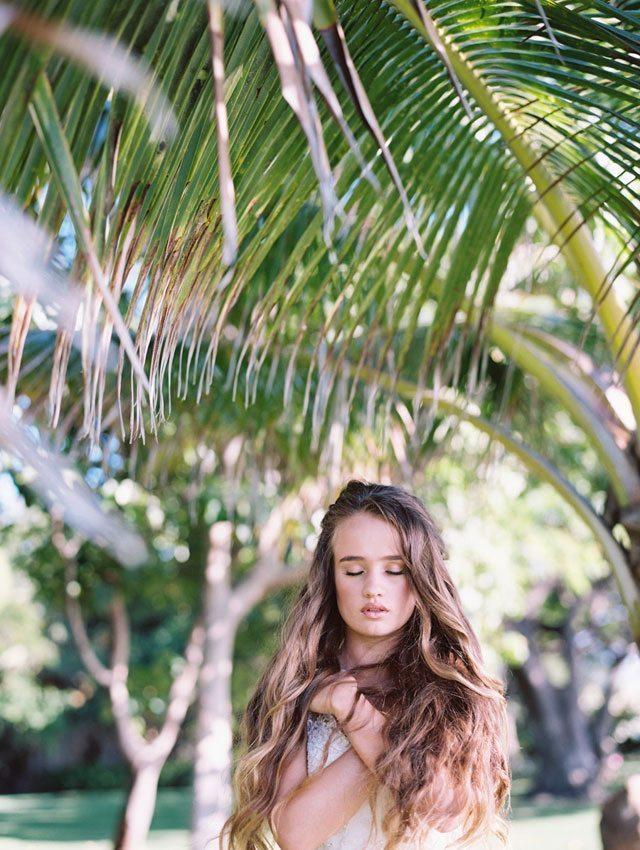 wendy-laurel-golden-seaside-bridal-inspiration-18
