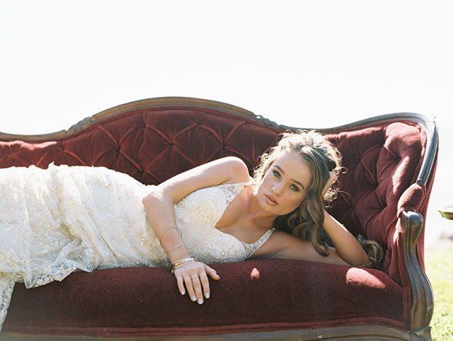 wendy-laurel-golden-seaside-bridal-inspiration-23