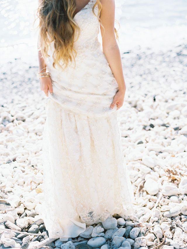 wendy-laurel-golden-seaside-bridal-inspiration-24