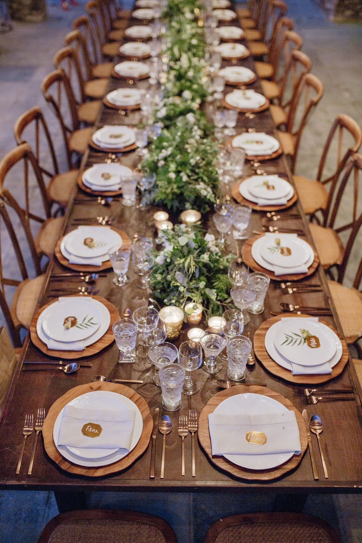 Rustic Farmhouse dining tablescape Hawaii | Destination Weddings in Maui | Maui's Angels