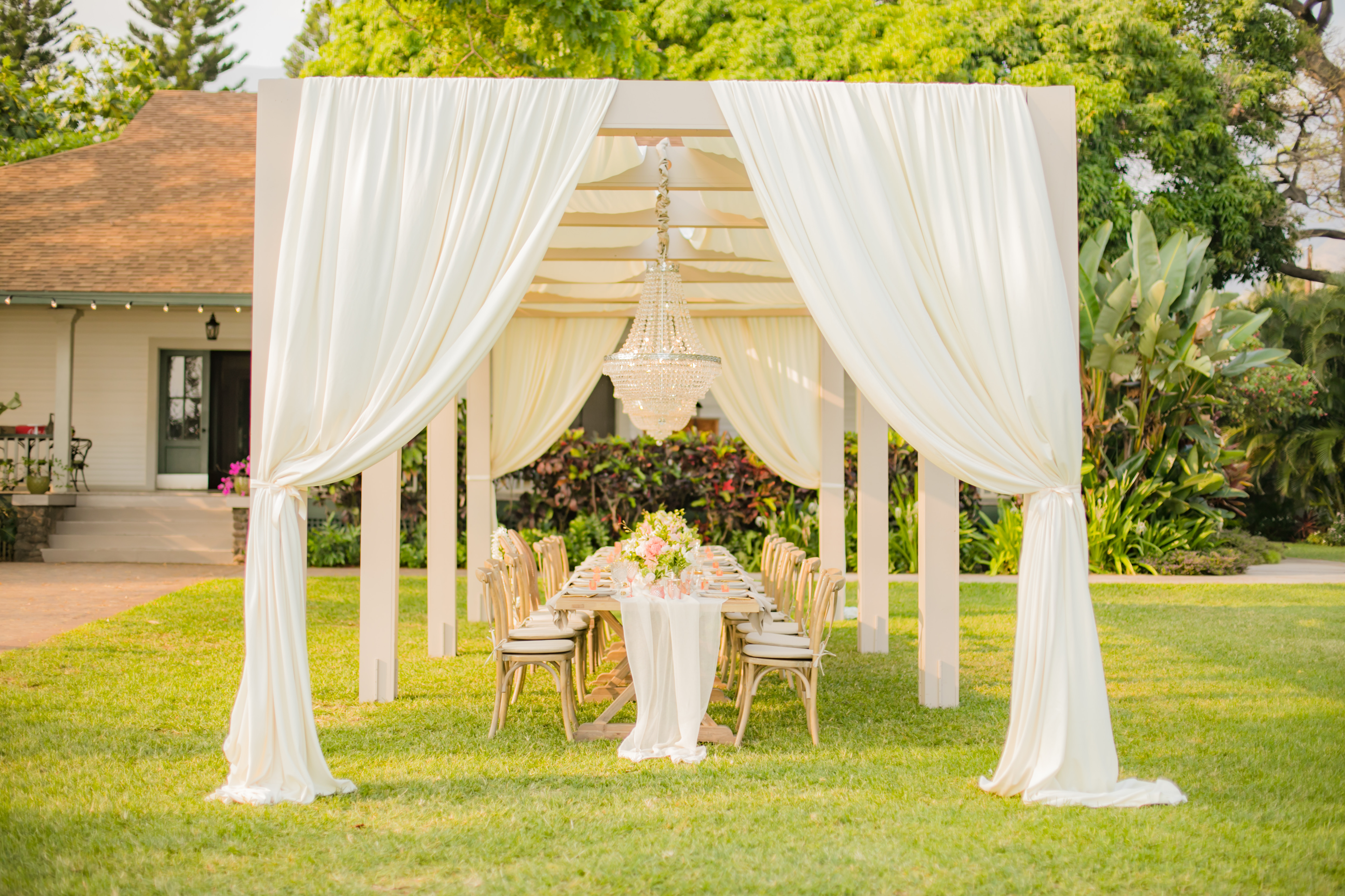 Maui Wedding Canopy | Destination Wedding in Maui | Maui Wedding Planner | Maui's Angels blog