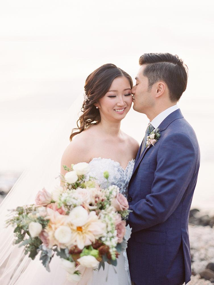 Maui wedding floral | Olowalu Plantation House | Maui Wedding Planner | Maui's Angels Blog